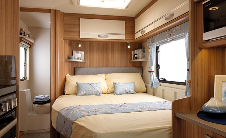 2019 Quasar 544 Bed