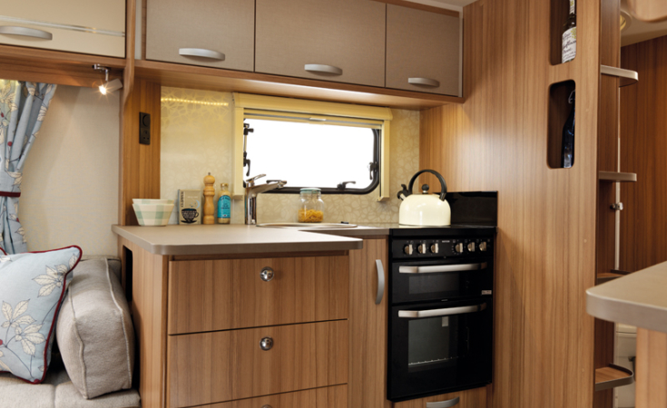 NEW Quasar 696 Kitchen