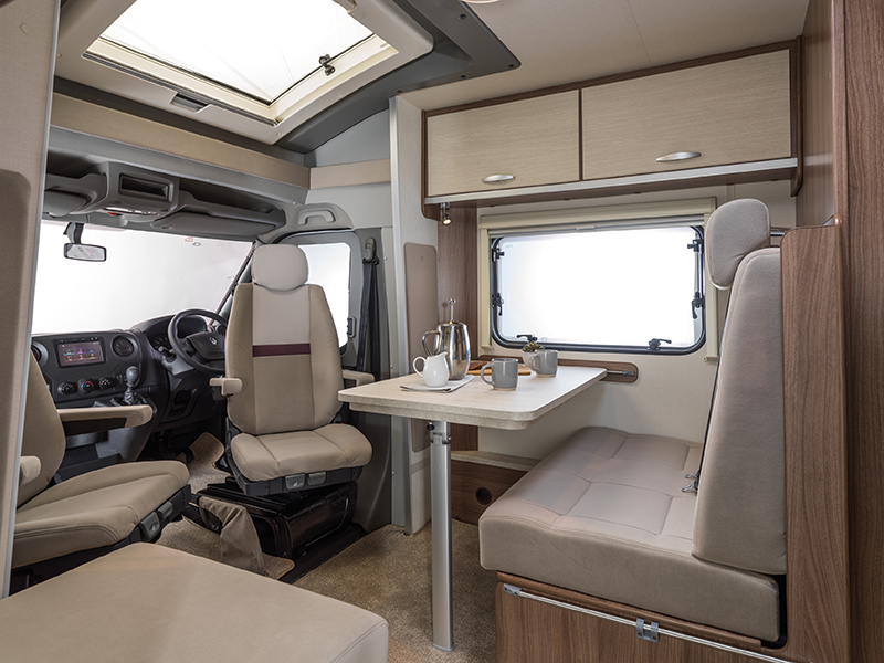 Cassini TI Side Dinette